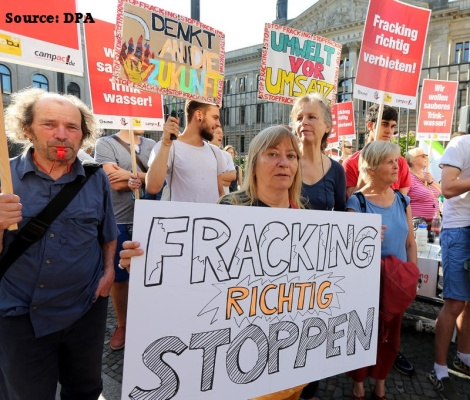 fracking-protest-dpa