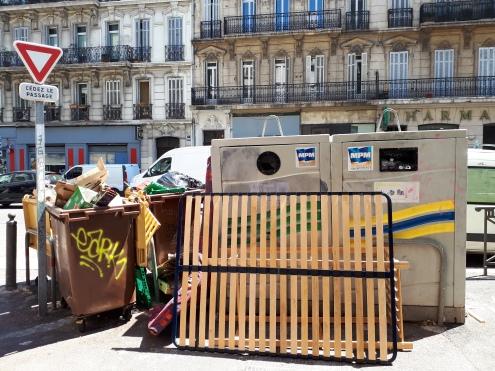 Micro-trottoir Marseille sale_Dechet_Rue_Poubellle_Marseillais_Recyclage_Interview_Mai 2017-CLEMENT ROUL-CEDRIC STANGHELLINI-DR